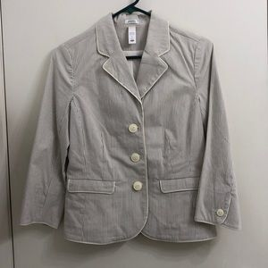 Blazer used in women